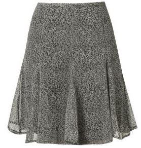 7a723b67ce6ad4 De Godet rok is een A-lijn rok met extra driehoekige stukken stof waardoor  de rok aan de zoom uitwaaiert. Godet rokken kleden af omdat ze de aandacht  ...